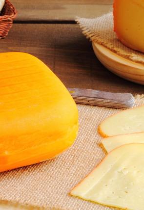 Galletas, queso y gelatina